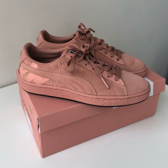 new concept 40169 0b2ac PUMA x Mac Suede Blush Pink Sneakers 7.5